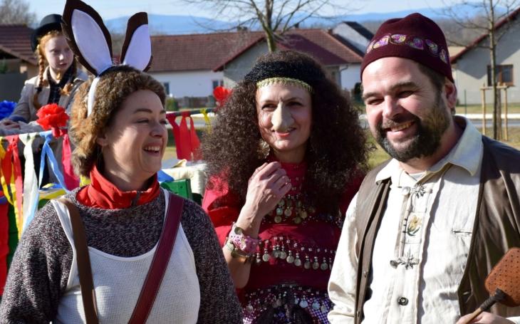 Zahráli tři hejkalové a prostý pobíječ much Eda prohnal královnu Kleopatru... Kulturní prohibice má vady na kráse