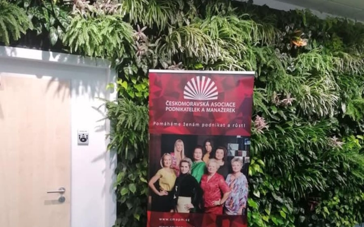 ANKETA Češky bez problému slaďují práci a rodinu, mají podporu partnerů