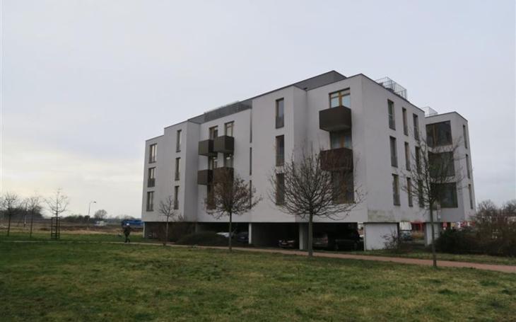 I v Hradci jsou drahé byty, navíc nájmy stále stoupají. Jednou z šancí je město, které vybralo nájemce startovacích bytů