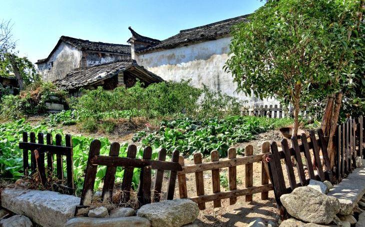 Starobylé vesnice jako ze středověkého obrazu. S cestovatelem Milošem Beranem podesáté do Číny