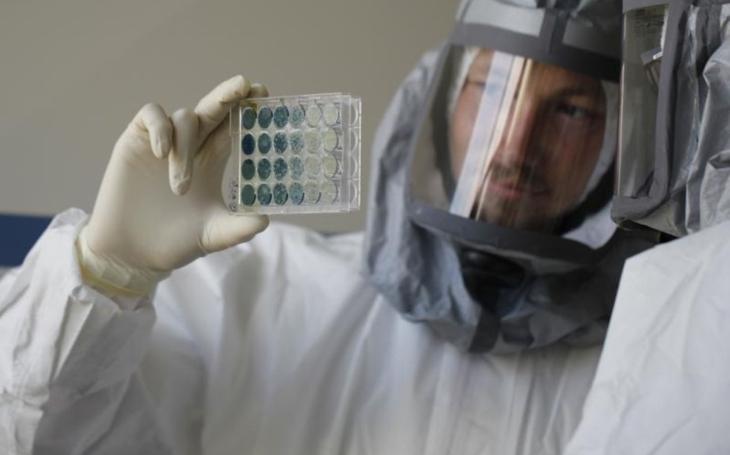 Čína nám poslala virus, tvrdí parazitolog, který spolykal vajíčka tasemnice. České Budějovice v boji proti Covidu