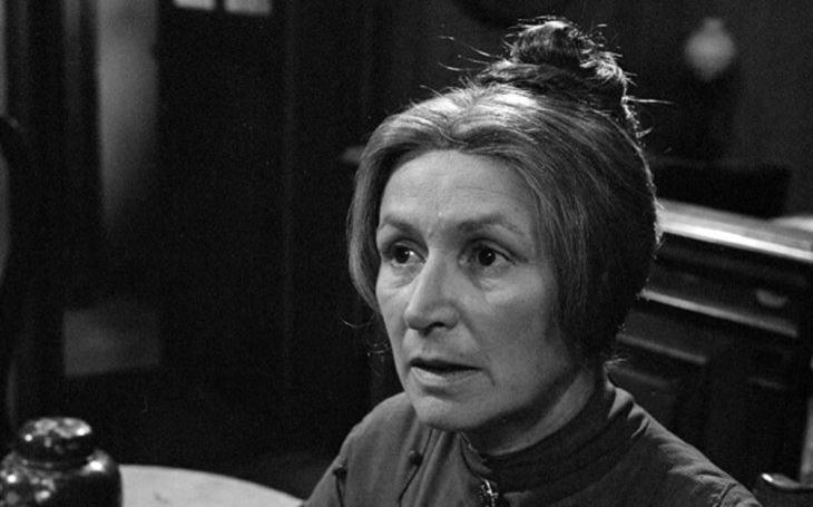 Odmala byla sama, pak se stala posilou pro Sudety. A životní roli dostala až v penzi. Tajnosti slavných