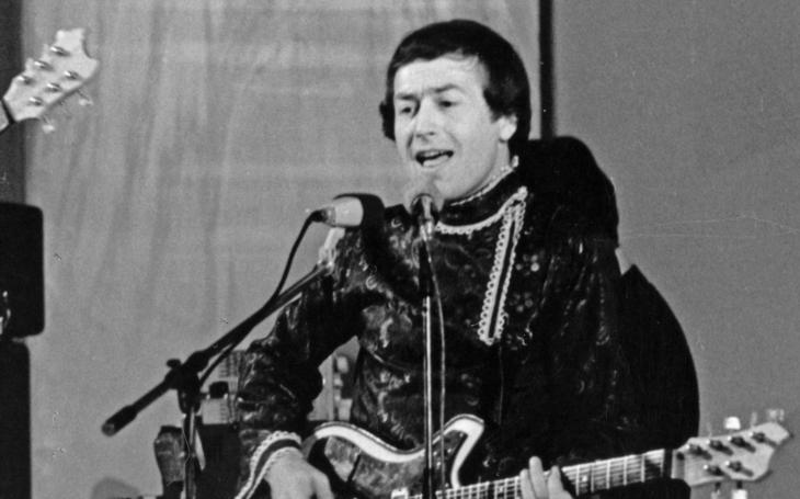 Legendární rocker málem skončil dřív, než vůbec začal. K zákazu stačilo jediné slovo – rock'n'roll. Tajnosti slavných