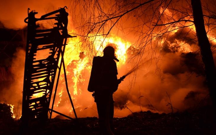 Když hořel Ještěd. Liberečtí hasiči slaví výročí a dokládají, že jim ty 'hadice ještě stříkají'