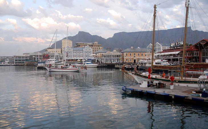 Kapské Město připomíná přírodní amfiteátr,  ostražitost je ale namístě. S cestovatelem Milošem Beranem do Jihoafrické republiky