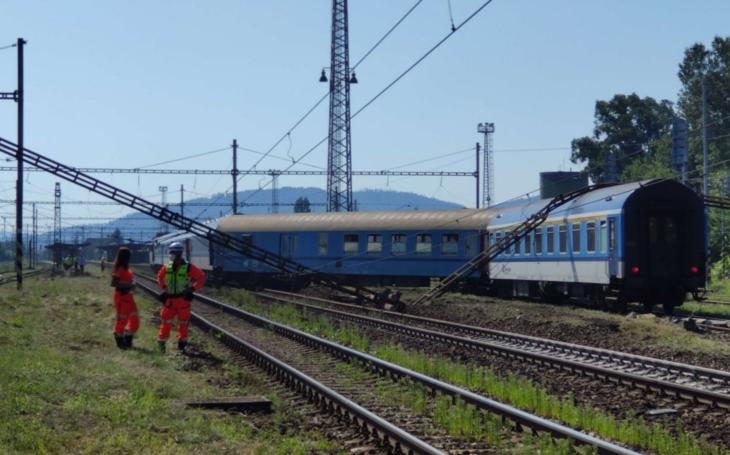 Za tragédie na železnicích prý mohou hrabiví strojvůdci, co pracují pro více firem. Jak jednoduché a jak… nefér. Kde je tedy příčina?
