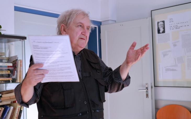 Výstava malíře Ladislava Hojného ´Jó, ty paměti´ se otevírá v Komunitním centru Prádelna