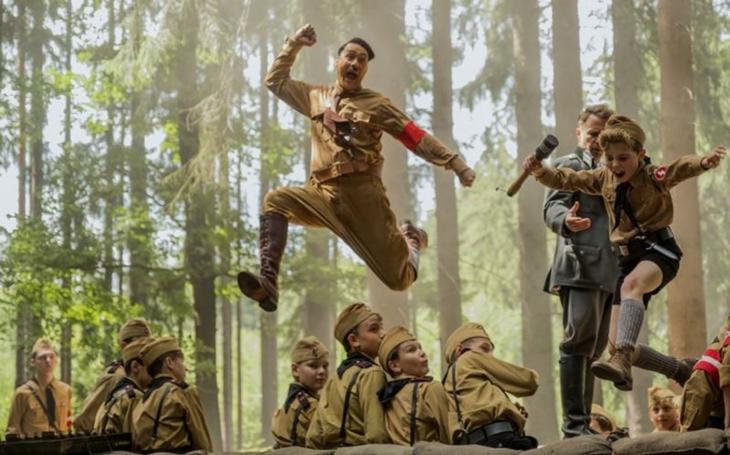 Fiktivní Hitler rozboural nejdříve Ústecko, pak se vrhl na Oscary. Kraj v obležení filmařů. Co se tu točilo a točí? A které hvězdy potkáte?