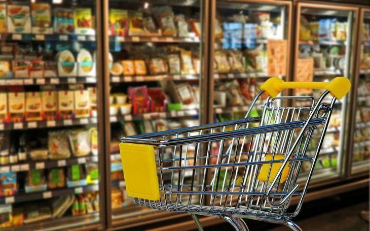 Malé obchůdky vstávají z popela, lidé opouštějí přecpané supermarkety. 5x pondělí Pavla Přeučila
