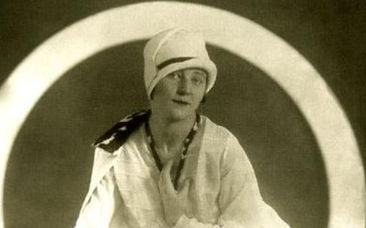Avantgardní kráska věděla přesně, co chce. Naplánovala i svůj pohřeb a o její smrti kolovaly legendy. Tajnosti slavných