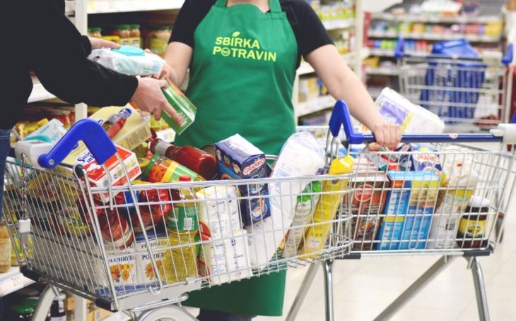 Nemají ani na jídlo. I v Karlovarském kraji roste počet lidí, kteří se dostali do krize. Potravinové banky jsou v jednom kole