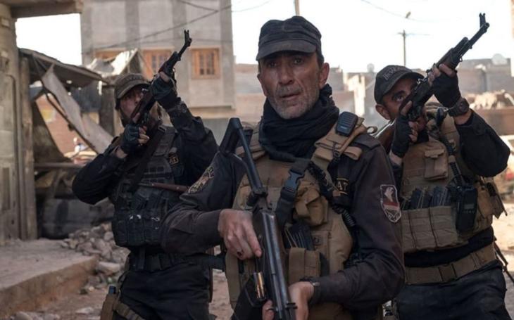 Smečka válečných psů táhne městem, z něhož zbyly jen ruiny, a likviduje poslední jednotky Islámského státu. Premiéry Pavla Přeučila