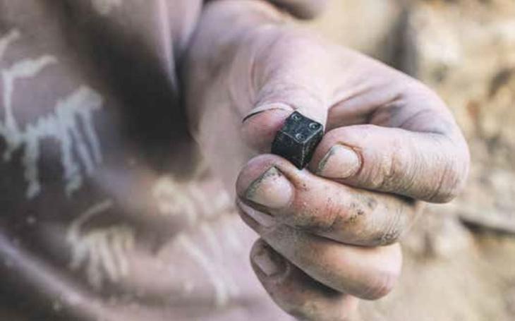 Gamblery znal i středověk, hráči vyvolávali rvačky a jihlavští radní se zlobili. Archeologové našli kostky ze 13. století