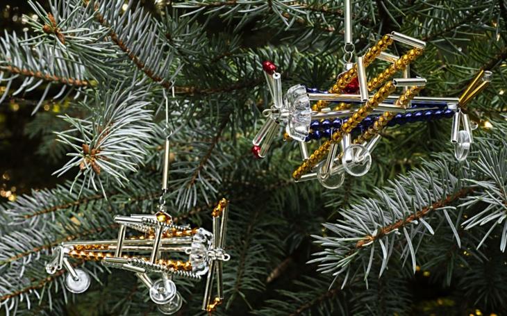 Tržby klesly několikanásobně i ve sklářství. Perlové vánoční ozdoby ale slaví úspěch. Jsou na seznamu UNESCO