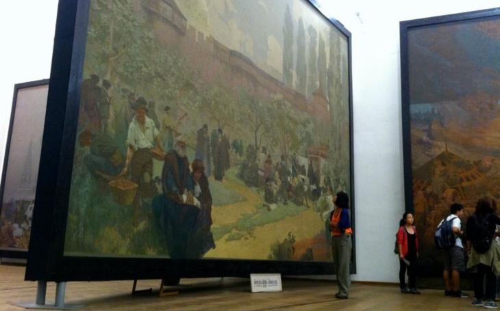 Dobrá zpráva pro všechny: Slovanská epopej se vrací do šťastné náruče moravskokrumlovského zámku