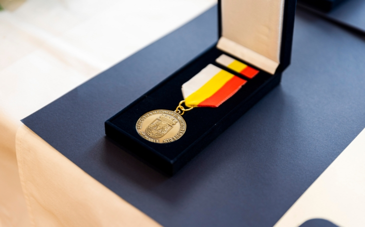 Díky za vaši nelehkou práci! Praha 5 předala ocenění pracovníkům Zdravotnické záchranné služby hl. m. Prahy
