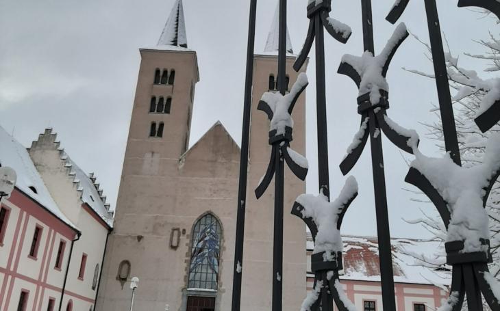 Je v Česku nejcennější křesťanská relikvie? Objev tajné schránky v klášteře v Milevsku je senzace, minimálně pro archeology a katolictvo