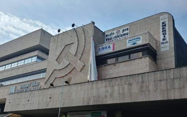 V Ústí nad Labem hodlají zamést s komunismem. 30 let po revoluci. A zničí přitom pravděpodobně cennou brutalistní stavbu