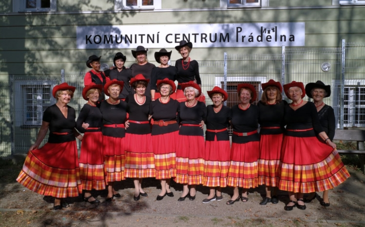 Seniorský taneční soubor Marietta z Prahy 5 se stále schází… on-line. V době covidu se ukazuje síla komunity