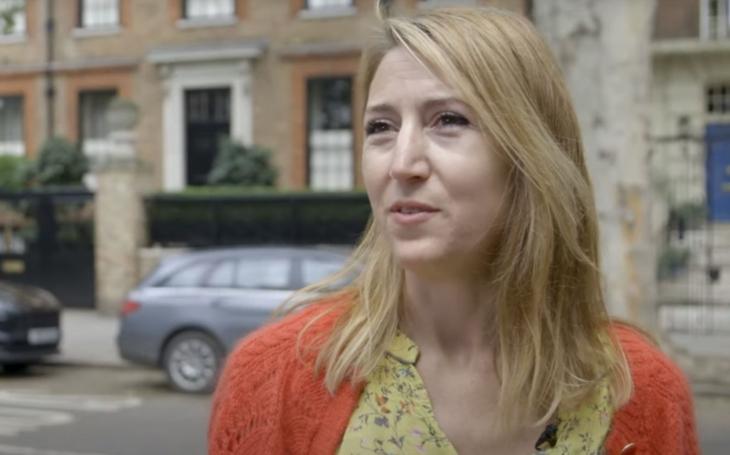 RECENZE Lisa Jewellová a její Rodina z podkroví. Bezchybné psycho