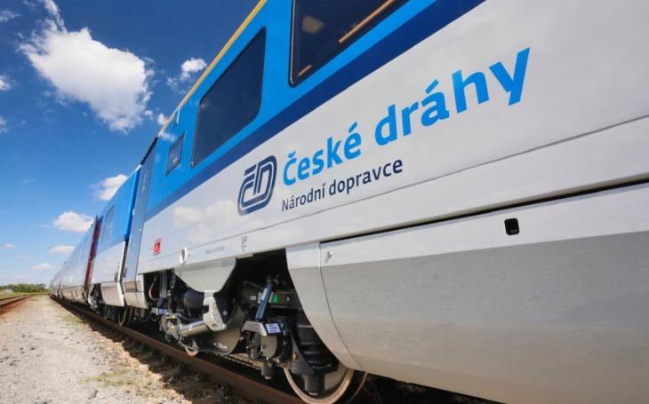 Nejmodernější expresy, bezbariérové pantografy a moderní patrové soupravy… České dráhy uvedou do provozu desítky nových vlaků