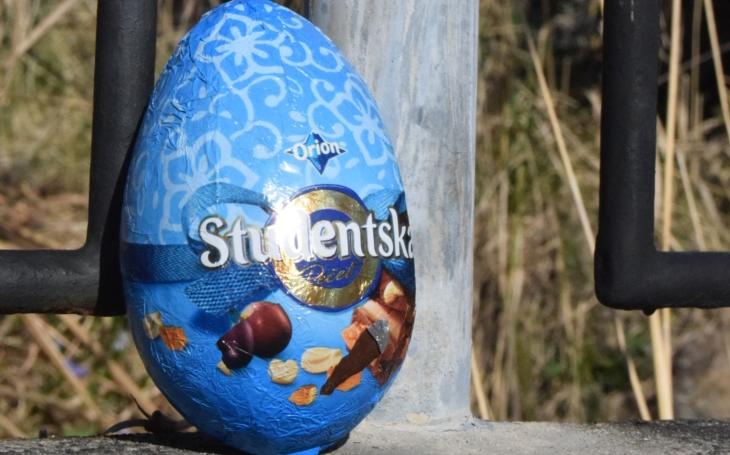 Přání do nemocnic a domovů pro seniory, velikonoční vajíčka na plot sousedům. Život v lockdownu, den čtyřicátý čtvrtý