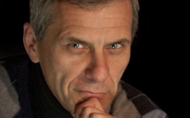 Jak se z něčeho stane ismus, narůstá zde potenciál schopný škodit, říká Václav Gruber, dobrý lékař a stejně dobrý spisovatel