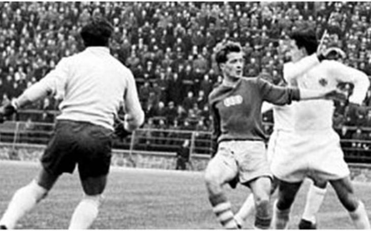Když kouzlil Bílý Pelé z Julisky. Světoví velikáni českého sportu, na něž svět dávno zapomněl. Fejeton Jiřího Macků