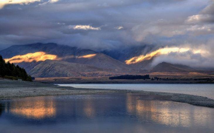 Oslňující tyrkys jezera  Tekapo aneb Jak se idylické focení může proměnit v noční můru. S cestovatelem Milošem Beranem pošesté na Nový Zéland