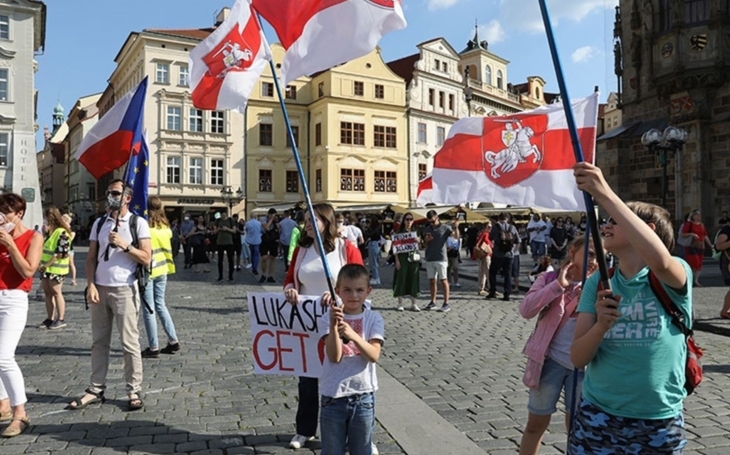 Bělorusko v křečích svobody. Komentář Štěpána Chába