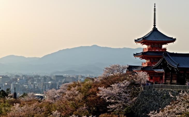 Kjóto, císařské město, které bylo ušetřeno nukleární zkázy až na zásah ministra války. S cestovatelem Milošem Beranem potřetí do Japonska