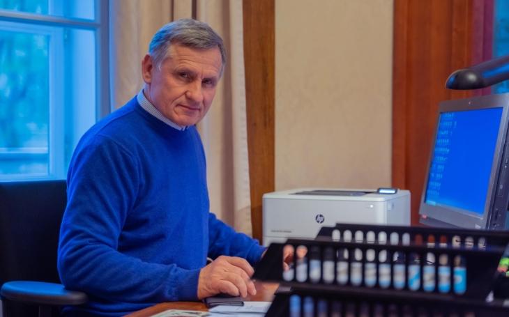 Jiří Čunek zajel chytat politické body mezi ty zlé cikány. A co vykoumal? Komentář Štěpána Chába