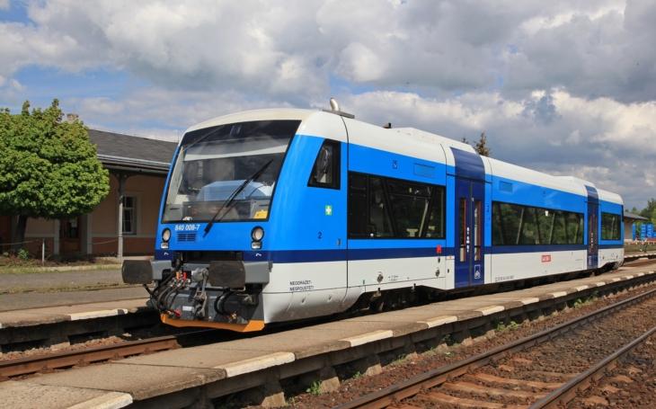 Do Jizerských hor vás doveze i vlak, na Ještěd už se nemusíte namáhavě šplhat, vede tam lanovka