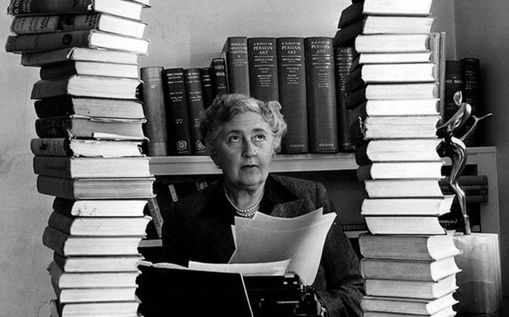 RECENZE Úplně jiná Agatha Christie. V tragédii Růže a tis