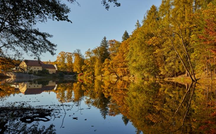 Malebný podzimní pobyt na jihu Čech. Můžete trochu ušetřit díky voucherům, dokonce i vyhrát  dovolenou zdarma