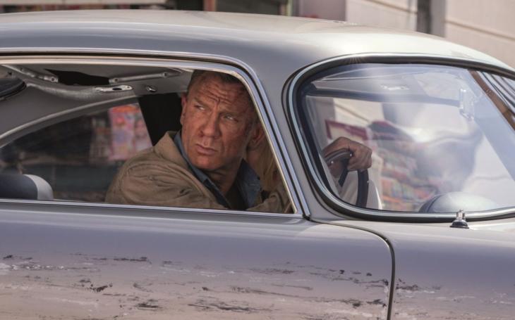 (Není) čas zemřít: James Bond se loučí se starou érou. Škoda, že agent 007 popírá sám sebe. Filmová reflexe Viktora Horáka