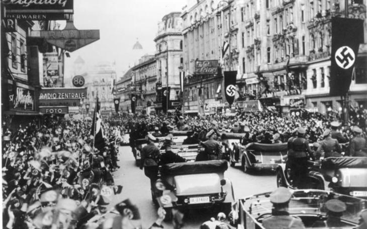 Ekvivalent 'Vítězného února' 1948 proběhl i vRakousku. Proč 'Vítězné září' 1950 ztroskotalo. Svět Tomáše Koloce